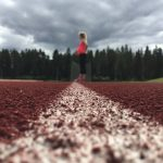 Urheilevan äidin tarkastus tukemaan äitien liikuntaharjoittelua
